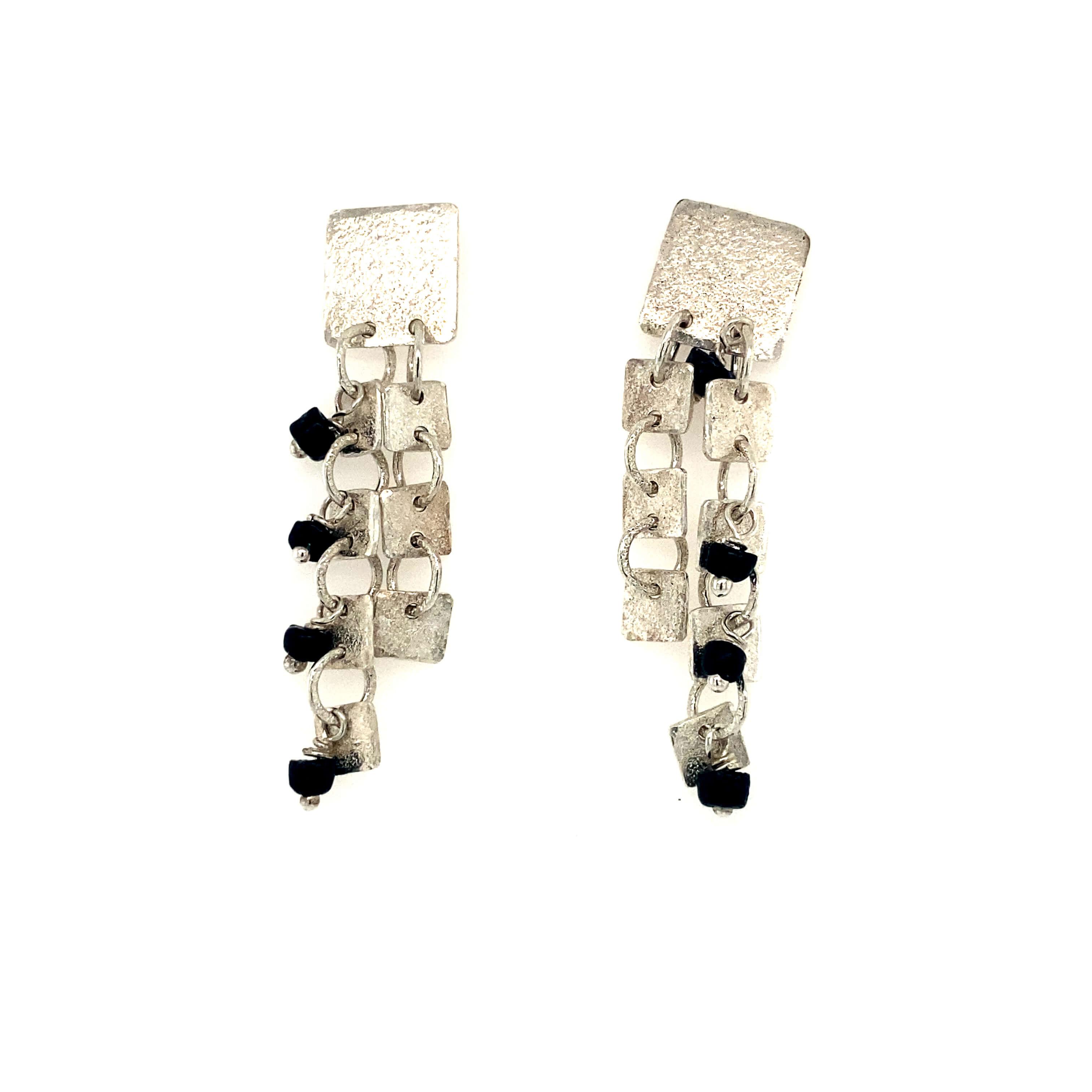 Dangling squares Earrings